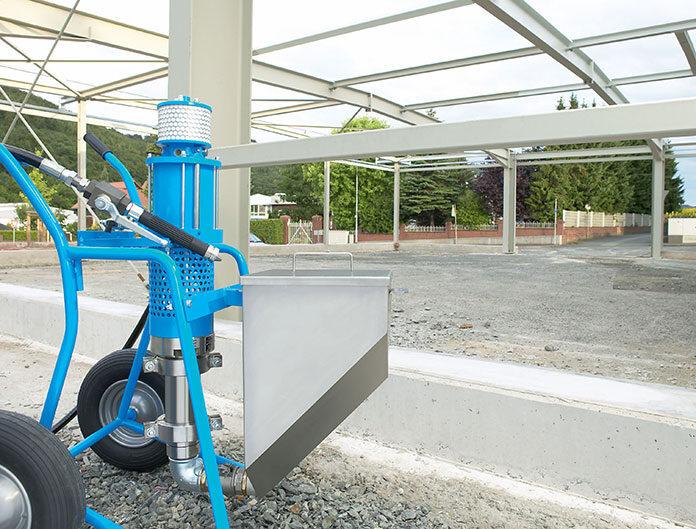 Transport betonu na placu budowy